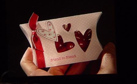 pillow-box-hearts