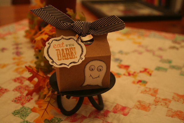 halloween candy holder from dee